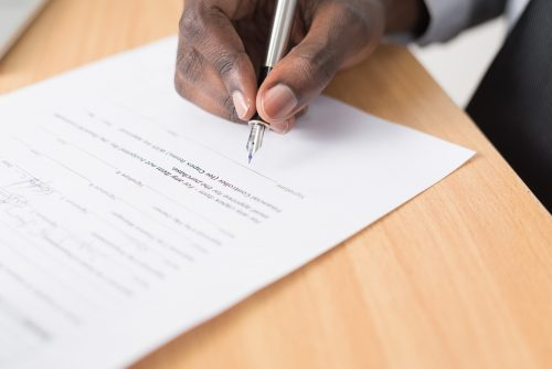 J'ai signé l'achat d'un bien locatif meublé fin décembre, pourquoi dois-je déposer une déclaration fiscale au 31/12 ?