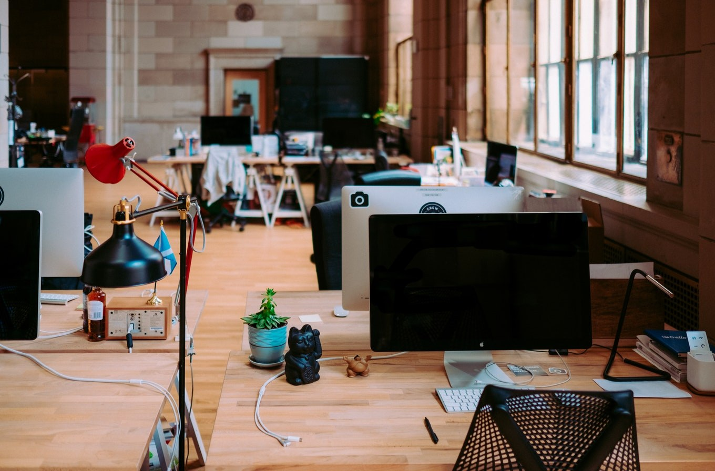 Les avantages de la location de bureaux équipés