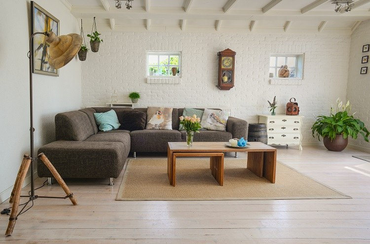 Comment échapper à la SSI pour les loueurs en meublé de location saisonnière ?